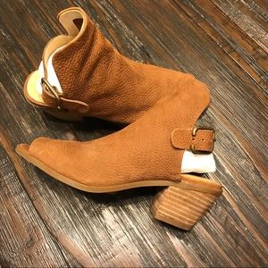 Lucky brand women's shoes